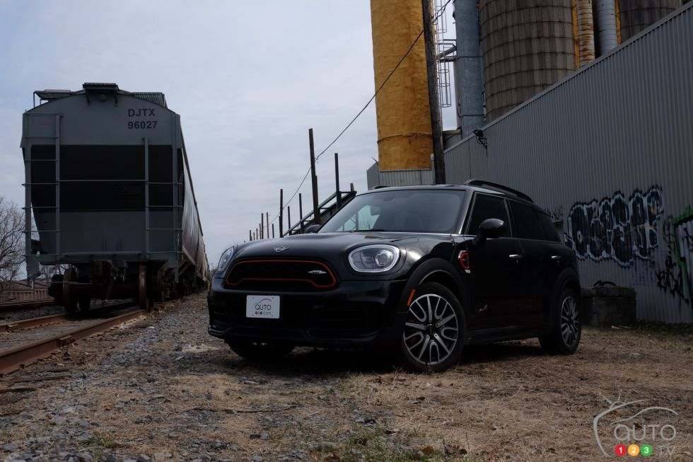 We drive the 2019 MINI Countryman JCW Midnight Black Edition