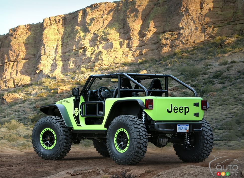 Jeep Trailcat Concept rear 3/4 view
