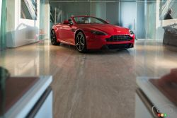 New Decarie Motors showroom for Bentley and Aston Martin At the Beginning of November 2016, Decarie Motors opened the doors on their newly renovated Bentley and Aston Martin section. Check out the images.