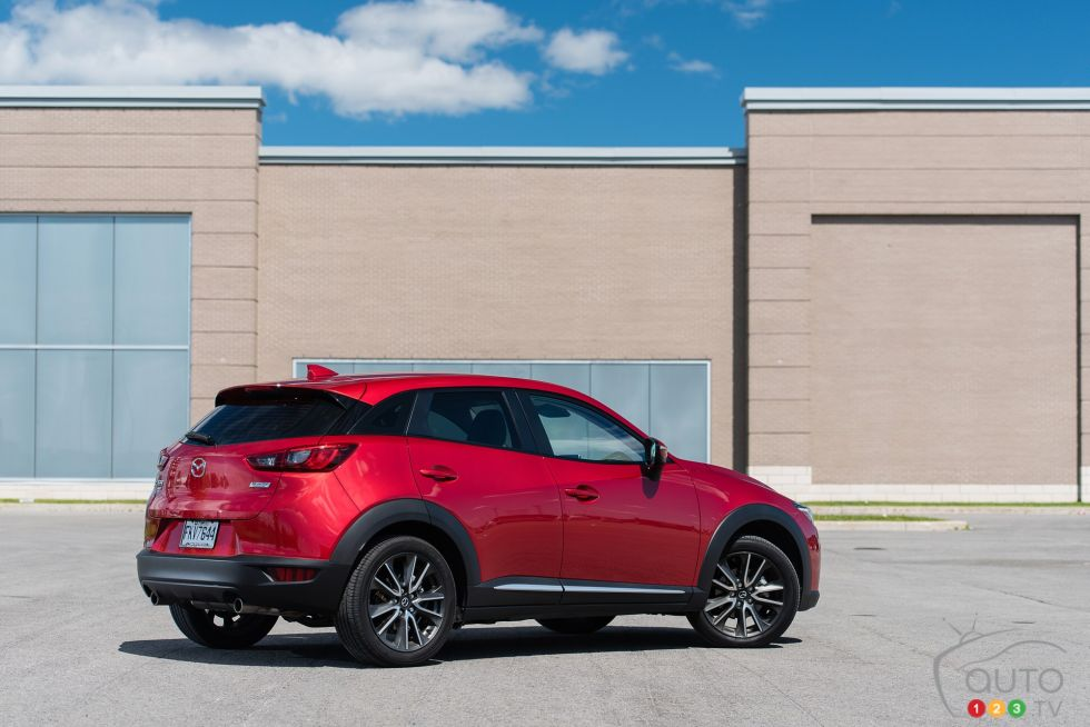 2016 Mazda CX-3 GT rear 3/4 view