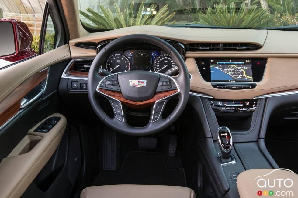 2017 Cadillac XT5 cockpit
