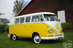 We drive the 1962 Volkswagen Microbus