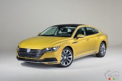 The 2019 Volkswagen Arteon is a grand touring car that will draw crowds in showrooms.