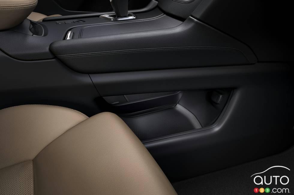 2017 Cadillac XT5 interior details