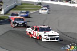 Vidéo de la première course de Maryeve Dufault en Nationwide: Une étoile montante - Auto123.com a eu la chance de suivre la Québécoise Maryeve Dufault lors de sa première participation à une épreuve de la série NASCAR Nationwide sur le circuit Gilles-Villeneuve lors du Napa Pièces d'auto 200.