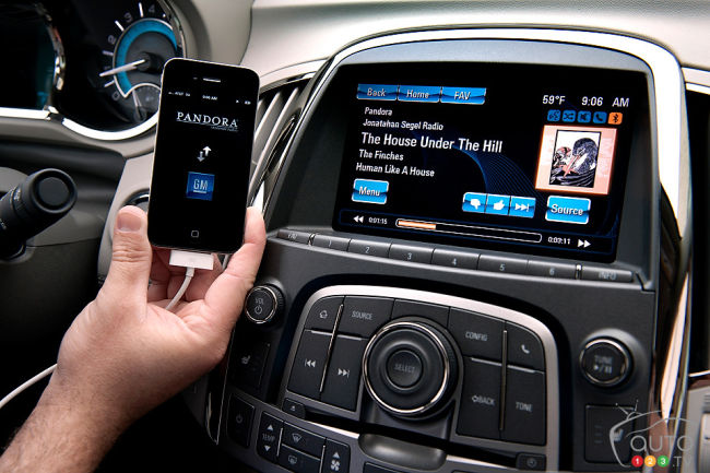 IntelliLink, the new infotainment system