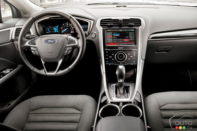 Ford Fusion 2013 habitacle