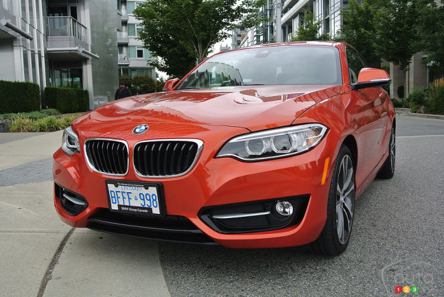 2014 BMW 228i Coupé 3/4 view