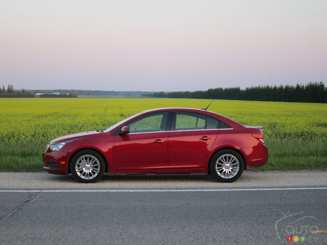 Chevrolet Cruze Eco 2012 vue c&ocirc;t&eacute; gauche