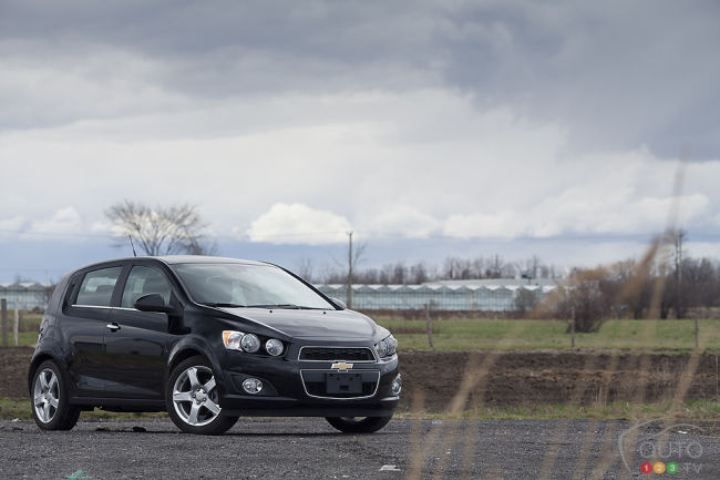2012 Chevrolet Sonic LT front 3/4 view