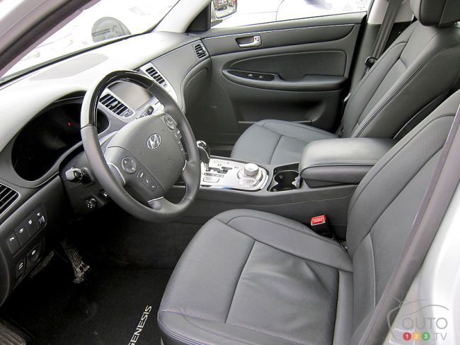 2012 Hyundai Genesis 3.8 sedan front seats and dashboard