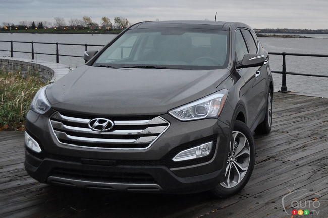 hyundai recalls nearly 14 000 santa fe crossovers in canada. Black Bedroom Furniture Sets. Home Design Ideas