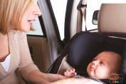 Comment bien installer un siège d'auto pour enfant orienté vers l'arrière