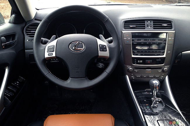 lexus is 250 awd 2013 essai routier. Black Bedroom Furniture Sets. Home Design Ideas