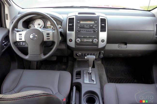2012 Nissan Frontier interior