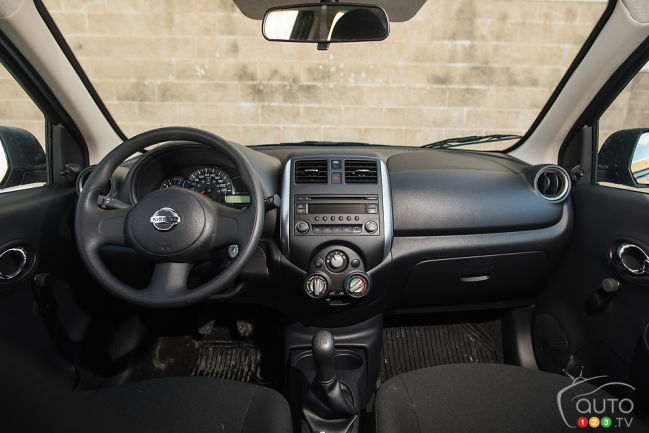 2015 Nissan Micra S cabin
