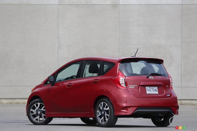 Nissan Versa Note SR 2015 vue 3/4 arrière