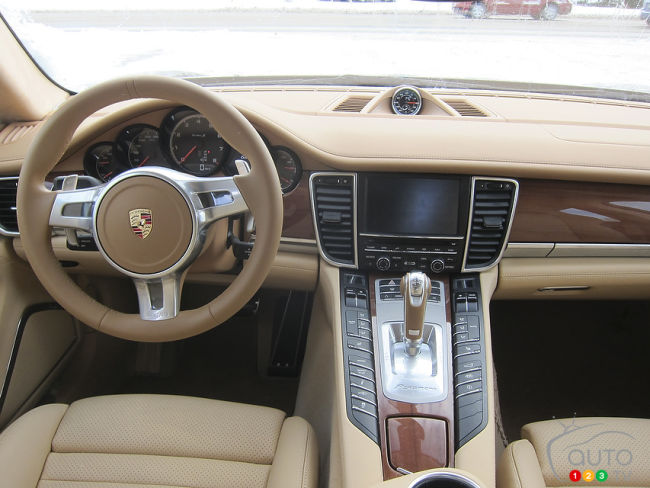 2012 Porsche Panamera Turbo interior