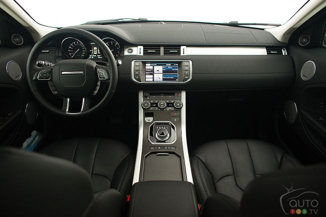Range rover evoque pure 2013 essai routier for Interieur range rover evoque