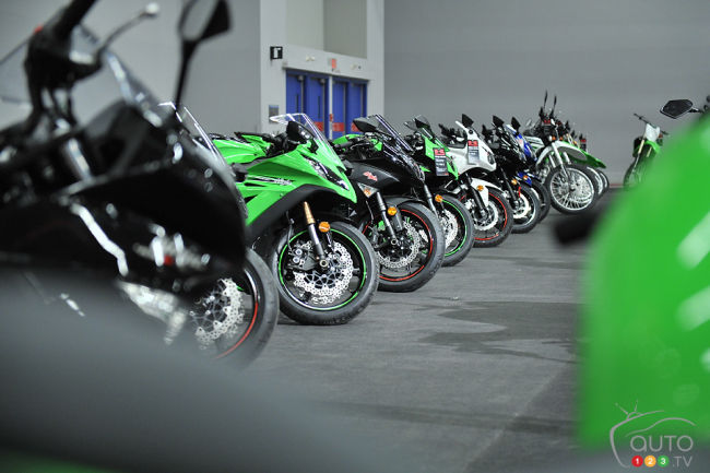 Salon moto de montr al place aux femmes - Salon de moto montreal ...