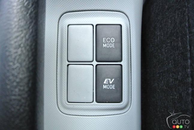 Toyota Prius C Technology 2017 Boutons De Controle