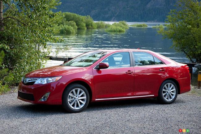2017 Toyota Camry Front 3 4 View