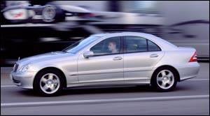 Mercedes benz classe c 2003 fiche technique auto123 for Compact mercedes benz crossword