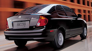 2004 hyundai accent specifications car specs auto123. Black Bedroom Furniture Sets. Home Design Ideas