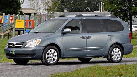 2008 Hyundai Entourage Limited Review