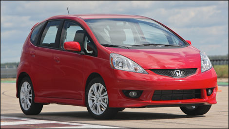 2009 Honda Fit First Impressions (video)