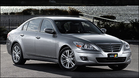 2009 Hyundai Genesis 4.6 Review (video)