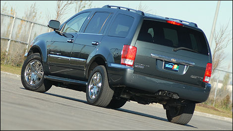 2009 Chrysler Aspen Hybrid Review