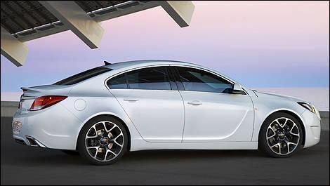 Opel Insignia Opc Gets 325 Horsepower Car News Auto123