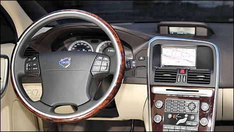 The Optional Navigation System Works Well And Includes Controls Located On The Back Of The Steering Wheel
