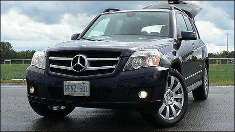 2010 mercedes benz glk 350 review video editor 39 s review. Black Bedroom Furniture Sets. Home Design Ideas