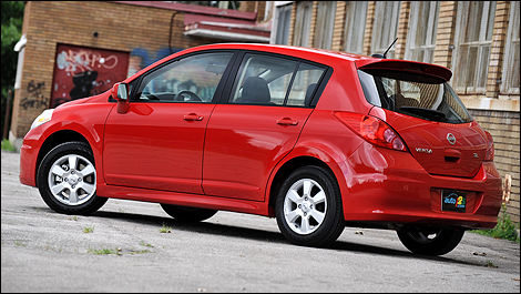 Great 2009 Nissan Versa Hatchback 1.8 SL Review