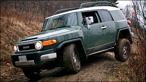 2010 toyota fj cruiser first impressions editor 39 s review. Black Bedroom Furniture Sets. Home Design Ideas