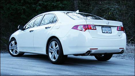 2010 Acura Tsx V6 Tech Review Editors Review Car Reviews Auto123