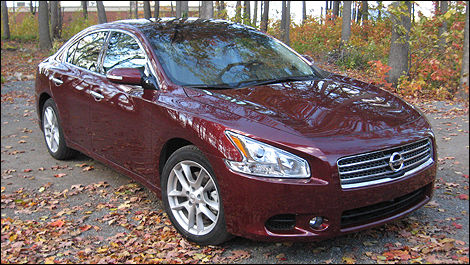 2010 nissan maxima 3 5 sv review editor 39 s review car. Black Bedroom Furniture Sets. Home Design Ideas