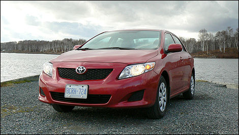 2010 Toyota Corolla CE Review (video)