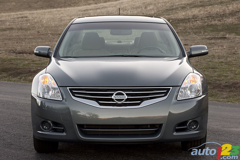 nissan altima hybride 2010 aper u actualit s automobile auto123. Black Bedroom Furniture Sets. Home Design Ideas