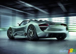 Porsche 918 Spyder Concept Car with Record-Breaking Emissions and Fuel Economy