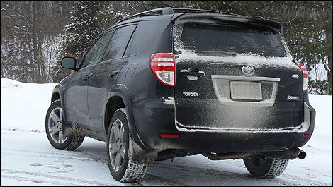 Lovely Drivers Should Have Zero Issues With Grip On Snow If They Install Winter  Rubber. (Photo: Justin Pritchard/Auto123.com)