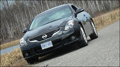 2010 Nissan Altima 3.5 SR Coupe Review (video)