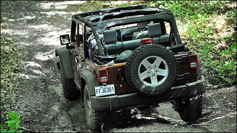 jeep wrangler unlimited rubicon 2010 essai routier essai routier actualit s automobile auto123. Black Bedroom Furniture Sets. Home Design Ideas