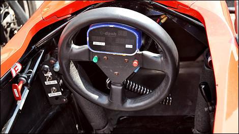 cole de pilotage jim russell actualit s automobile auto123. Black Bedroom Furniture Sets. Home Design Ideas