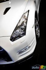 2010 Paris Motor Show: Nissan GT-R's new nose and a Townpod Concept