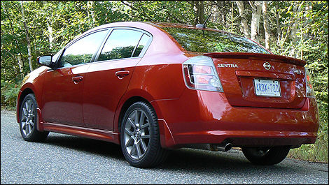 2010 Nissan Sentra 2.5 SE R Spec V Review (video)
