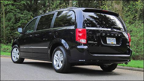2011 dodge grand caravan crew review editor 39 s review car news auto123. Black Bedroom Furniture Sets. Home Design Ideas
