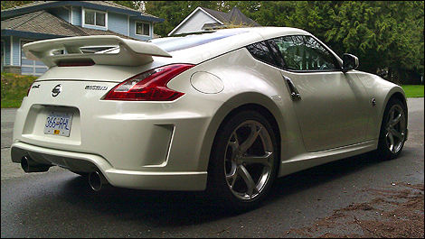 2011 Nissan NISMO 370Z Review Editor's Review | Car News | Auto123